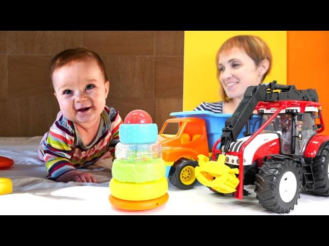 Видео для малышей. Маша Капуки и машинки Собирают Пирамидку