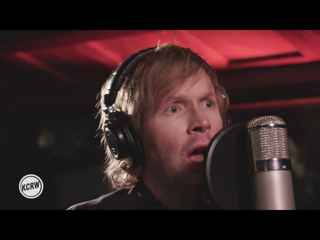 Beck performing Dreams Live on KCRW