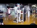 Упражнения для плеч Разведение гантелей в стороны