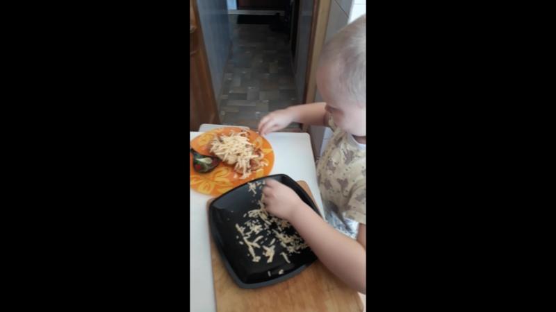 Даниил на кухне 🙋♂️👍😊🙋♀️👌