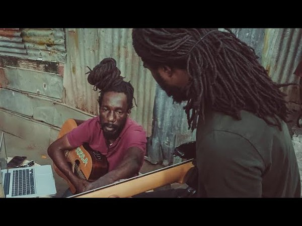 Sizzla Chronixx Hold A Vibe At Judgement Yard FREESTYLE While Building Museum