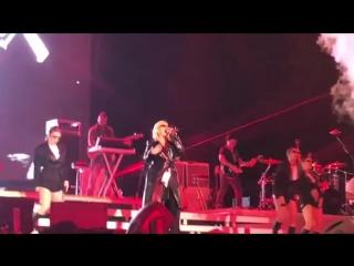 Christina Aguilera - Dirrty (28.04.2018 Baku)