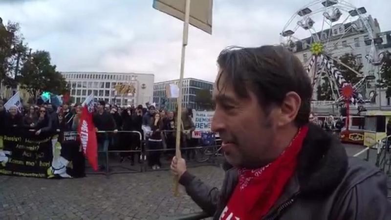 2017 09 20 Teil 2 Linkschaoten rasten aus, weil Sven Liebich (Die Linke) AfD wählen wird