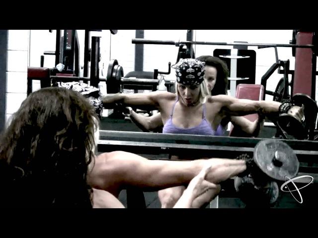 Larissa Reis Daniela O'Mara IFBB Figure Pro's training Delts in Perth, Australia!