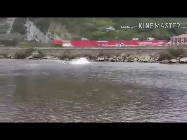 Школьник разъебал батину моторную лодку