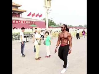 Ulisses JR naked walking in Beijing of China see what happen.