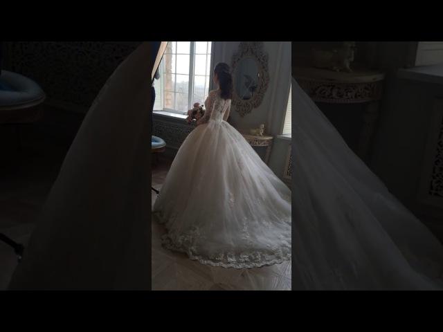 Очень пышное свадебное платье с рукавами Рикарда