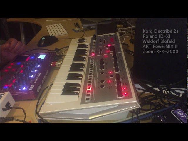 Deep House live: Mmm... Korg Electribe 2s, Roland JD-XI, Waldorf Blofeld