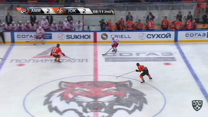 Моменты из матчей КХЛ сезона 17/18 • Гол. 2:3. Эли Толванен (Йокерит) мощным бросоком выводит свою команду вперед 11.09