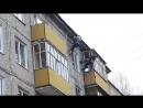 Заделка швов под крышей на улице Героев Труда. Бывает же у людей работа...