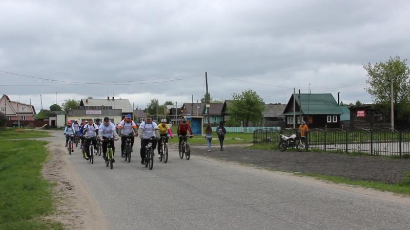 Конёво встречало участников велопробега Дорога Минина колокольным звоном