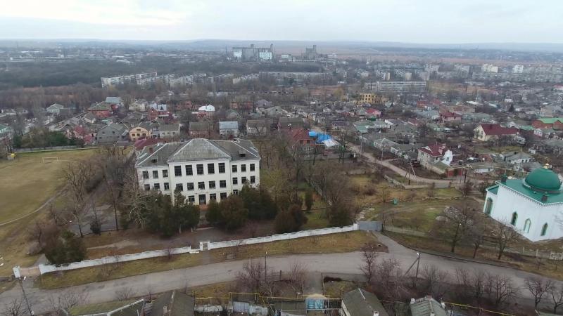 Гибнущее здание керченской школы № 6
