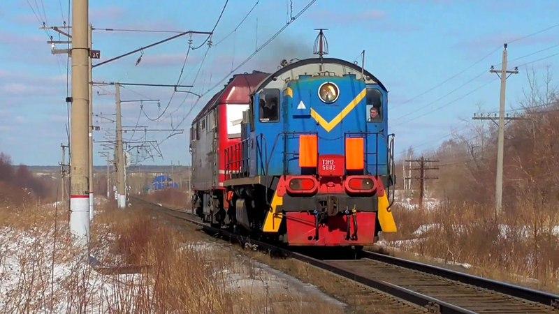 ТЭМ2 5682 с перегоняемым ТЭП70У 007 и приветливой бригадой