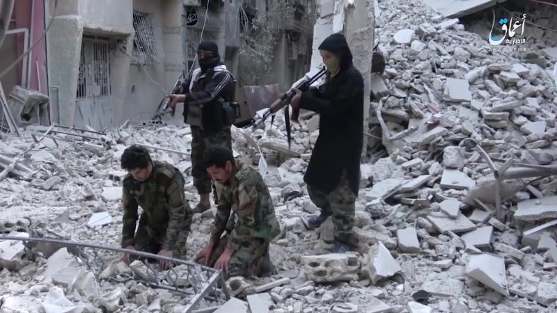 Сирия 23 04 2016 Боевики ИГ растреляли двух пленных бойцов захваченных в районе Каддам Ярмук