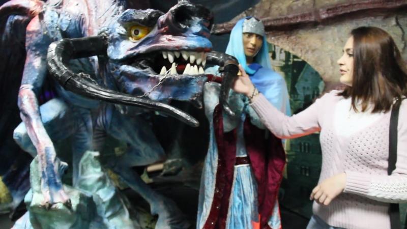 на выставке Драконы-ожившие гиганты