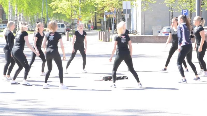 Фитнесс на улице финского городка