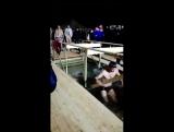 Крещение, мусульманин купается в проруби