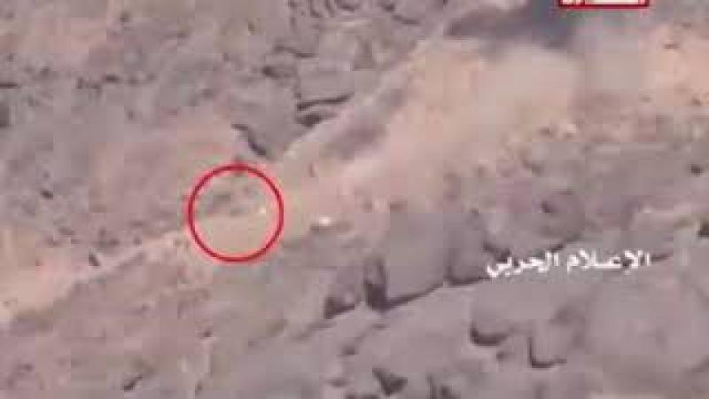 Embuscade des résistants yéménites d'AnsarAllah qui détruisent 2 engins de l'armée saoudienne