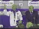 Zagallo discute com jornalista em coletiva após final da Copa de 98