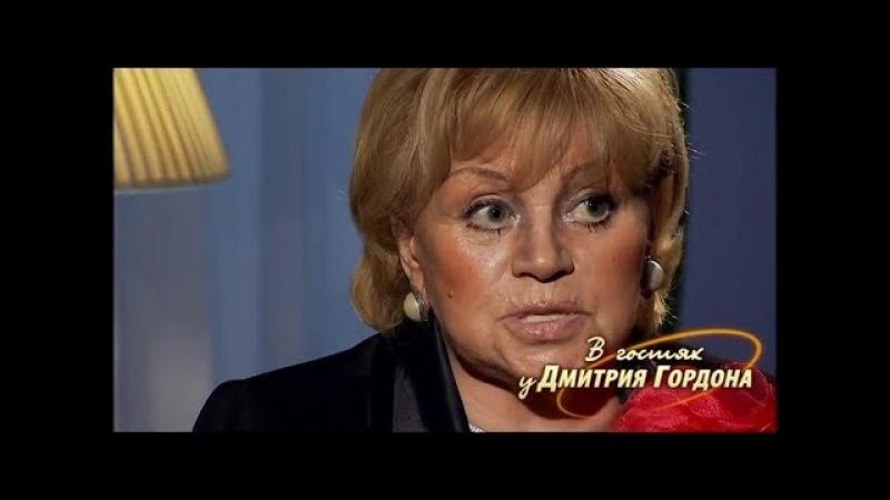 Егорова Миронов за Высоцкого кулаком мне как двинул! Все в крови было — нос мне сломал