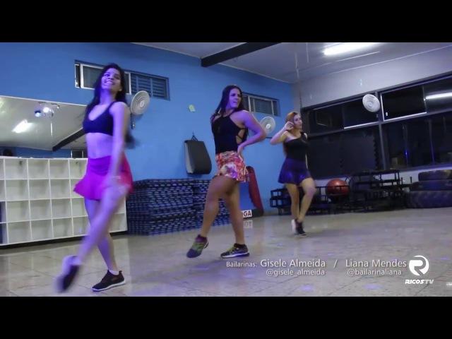Essas meninas mostram que têm o samba no pé