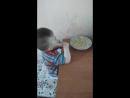 сынок кушает