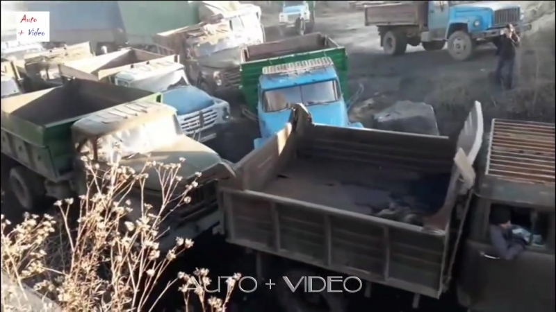 Старые грузовики и битва за уголь