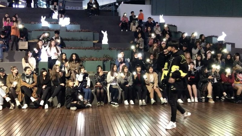 "Jin Park on Instagram: ""dob 박진 디오비 동대문 공연 때 제 앨범 2집에 들어갈 별 Live ver 중간 부분만 살짝🙈 작곡 - 손기현, 박진 작사 - 박진"""