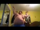 Танцующий толстячок,смешно