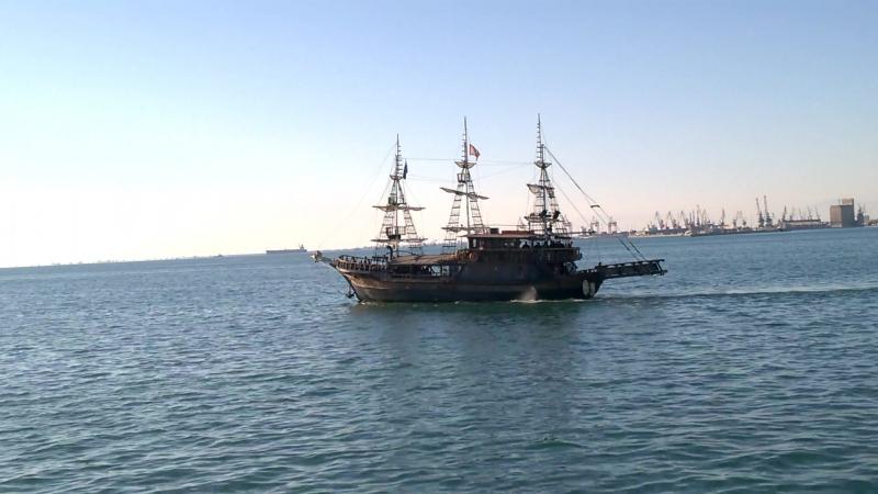 Пиратская шхуна. Салоники.