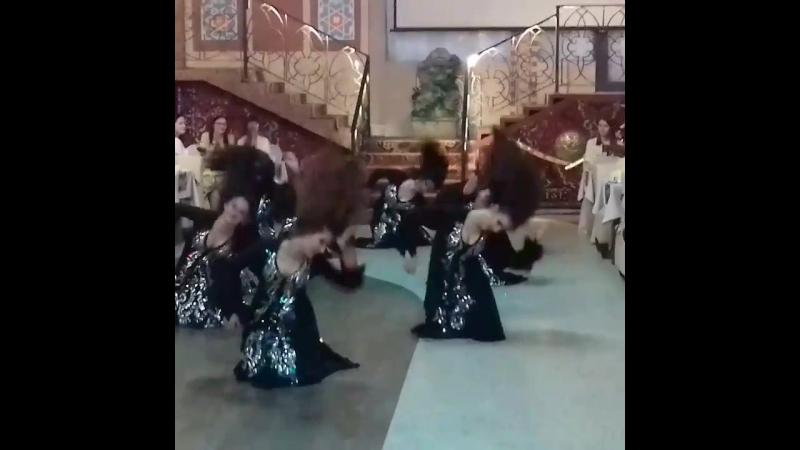 Ираки групповик,фольклор.