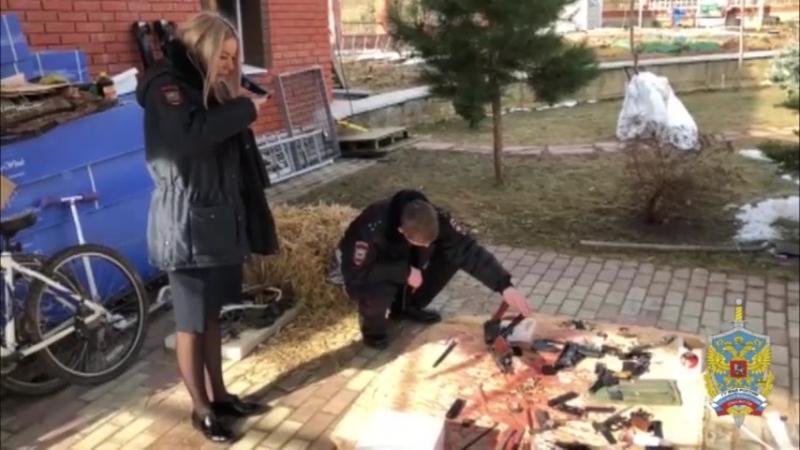 Подмосковными полицейскими в частном доме изъят арсенал оружия