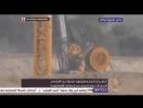 Des jeunes de Gaza incendient une excavatrice des youpins les youpins répliquent avec un bombardement