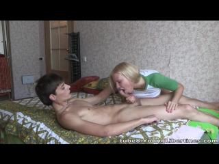 [xxx-porno.info] молодая русская пара занимается домашним сексом. смотреть порно видео