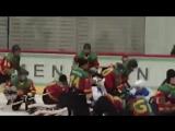 В хоккей играют настоящие мужчины.