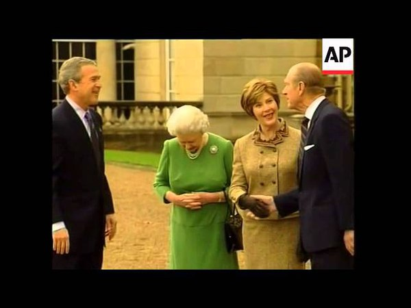 Queen bids farewell to US president