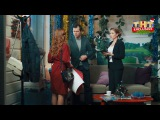 СашаТаня: Новогодняя серия. Витя Комаров из сериала САШАТАНЯ смотреть бесплатно...