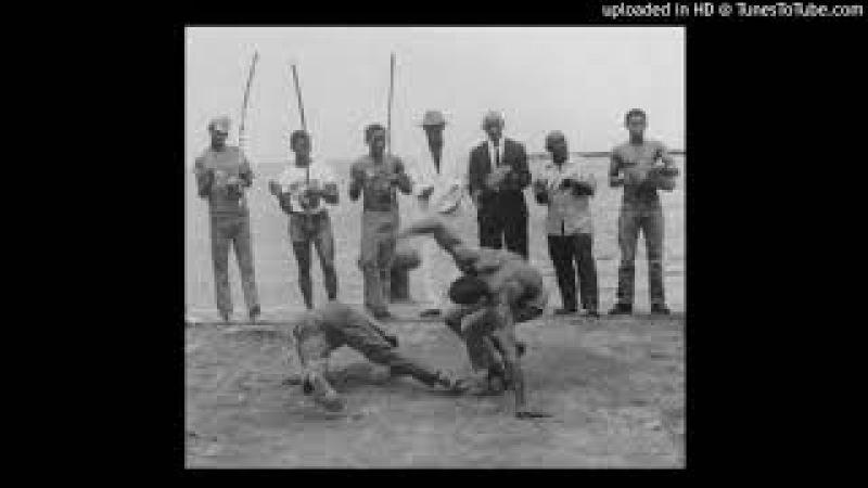 Abada Capoeira Eu sou madeira de Biriba boa e corridos Cantoria Mestrando Pretinho evento instr