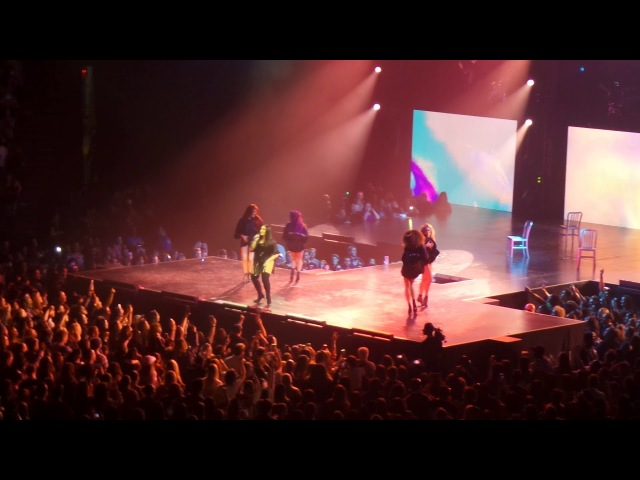 Demi Lovato - Sexy Dirty Love ( Tell Me You Love Me Tour Barclays Center ) Brooklyn, New York HD