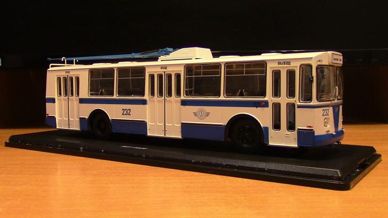 Масштабная модель троллейбуса ЗИУ 682 Б SSM приобрести можете по ссылке www.ritmonexx.ru/ZIU682B-belogoluboj-rabochie-sh