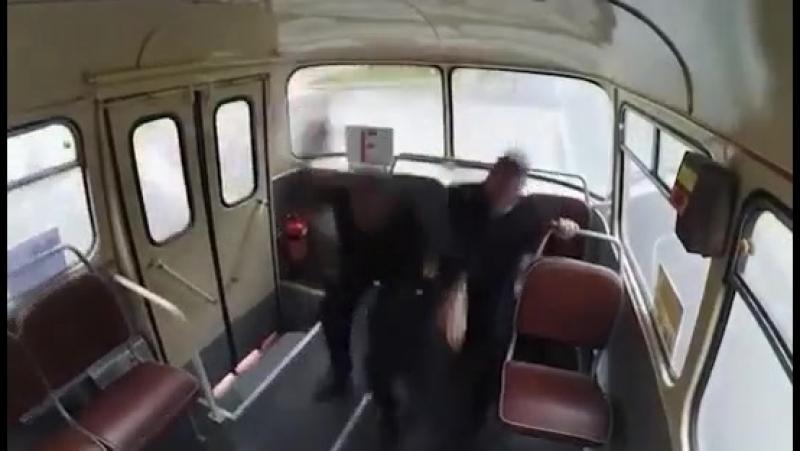 Русский аттракцион Пригородный автобус