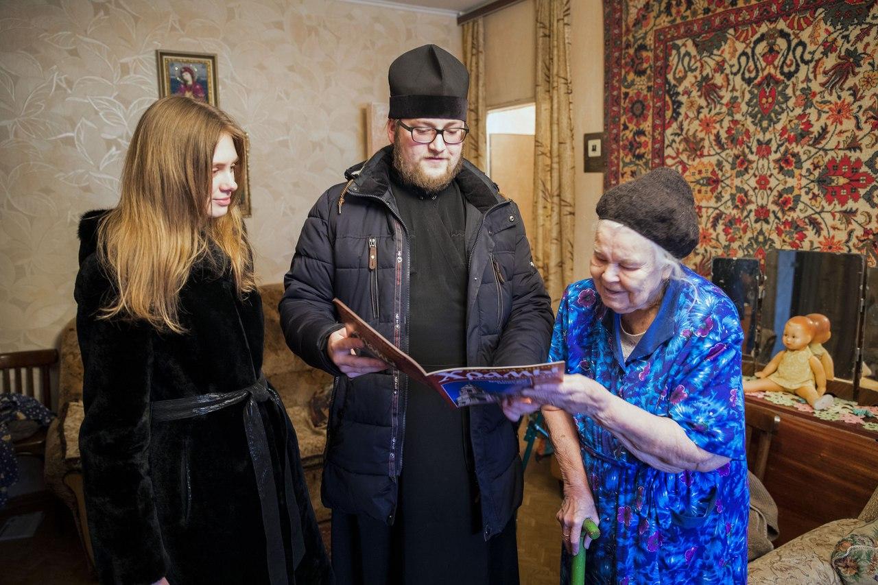 Духосошественский храм поздравил с Рождеством Христовым пожилых жителей столицы Татарстана