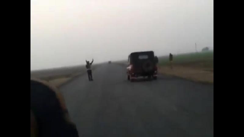 Мобильный патруль сувар аль-ашаир на трассе в районе г.Сулейман-Бек (январь 2014)