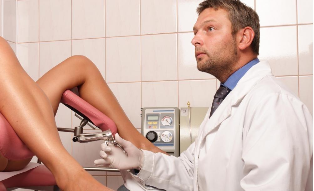 Гинекологи - это врачи, которые диагностируют и лечат разнообразные проблемы со здоровьем, включая фертильность, рак и недержание