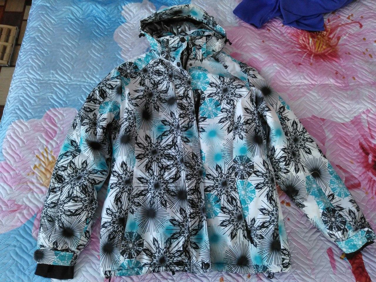 Продам горнолыжные куртки 46-48 размер по 600 руб.