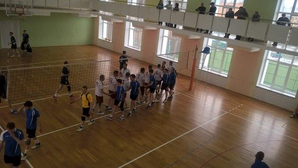 Прошли первые игры отборочных соревнований по волейболу. Муж
