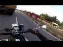 Индийский мотоциклист в самый последний момент ушёл от лобового столкновения с автобусом Видео