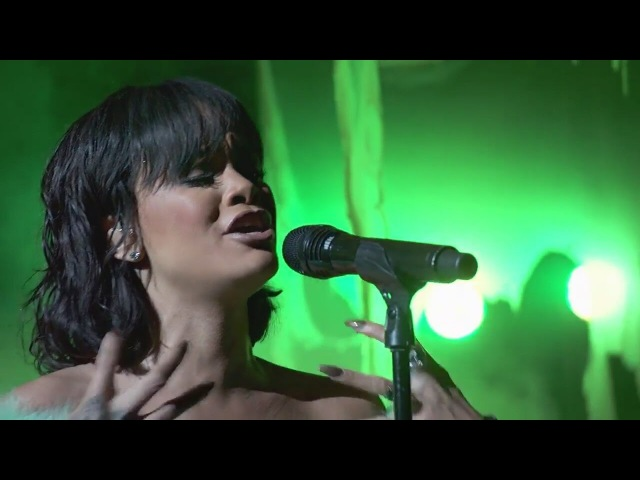 Rihanna - Love On The Brain (Live at Billboard Music Awards 2016) HD - L