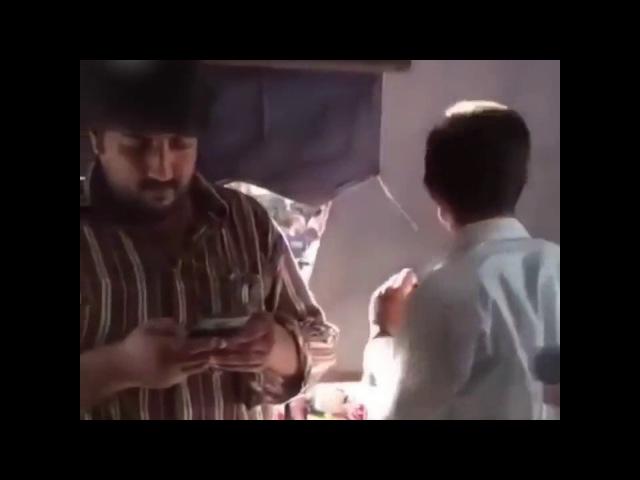 Индус дал леща