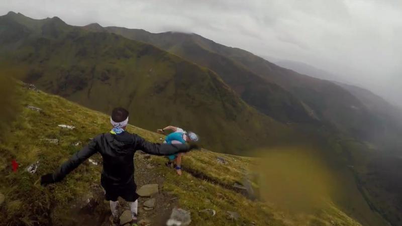 Stian Angermund-Vik vs Marco de Gasperi downhill